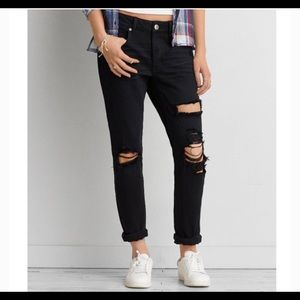 American Eagle Ripped Black Tomgirl Jeans